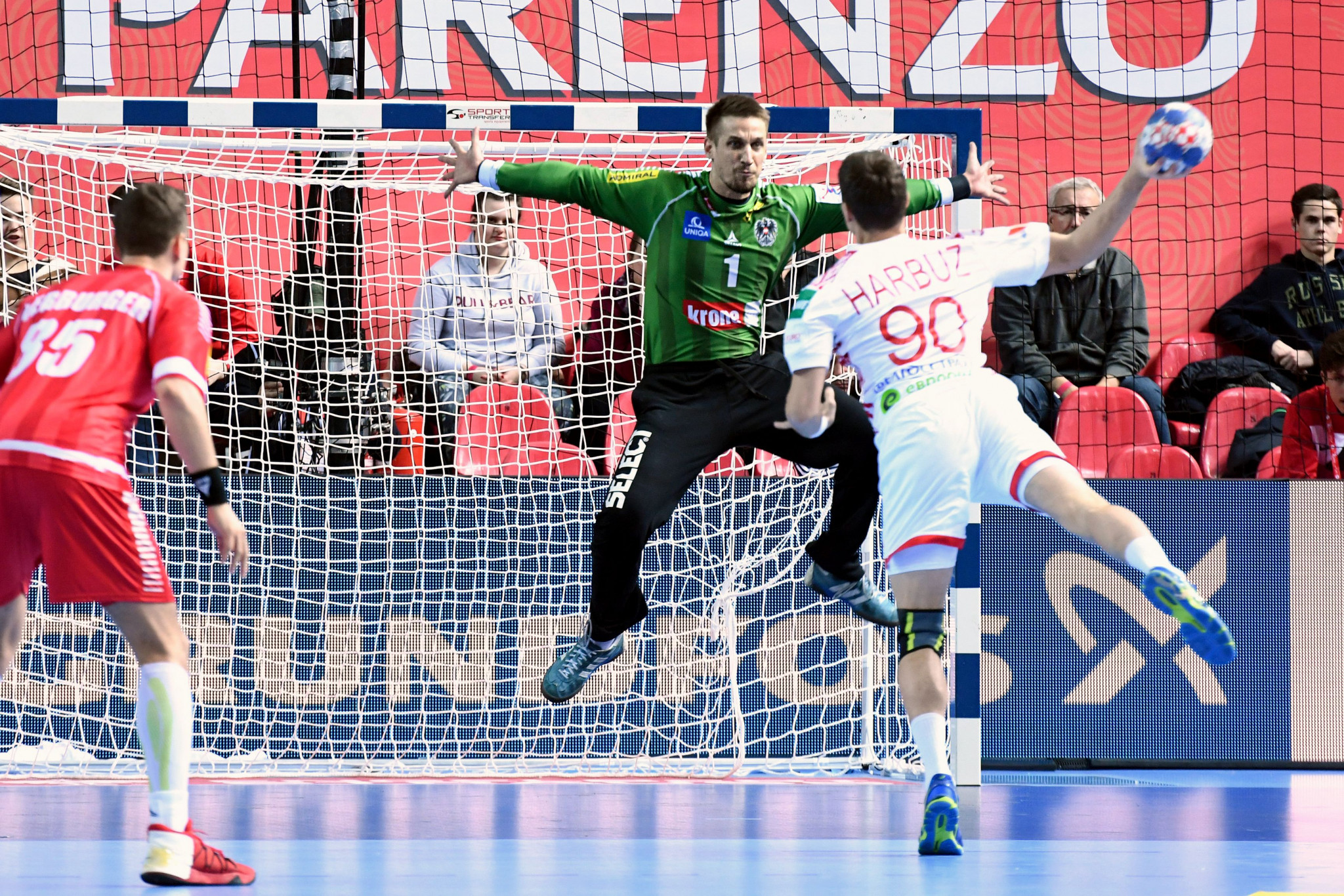 Iceland and Belarus come out on top on opening day of European Men's Handball Championships