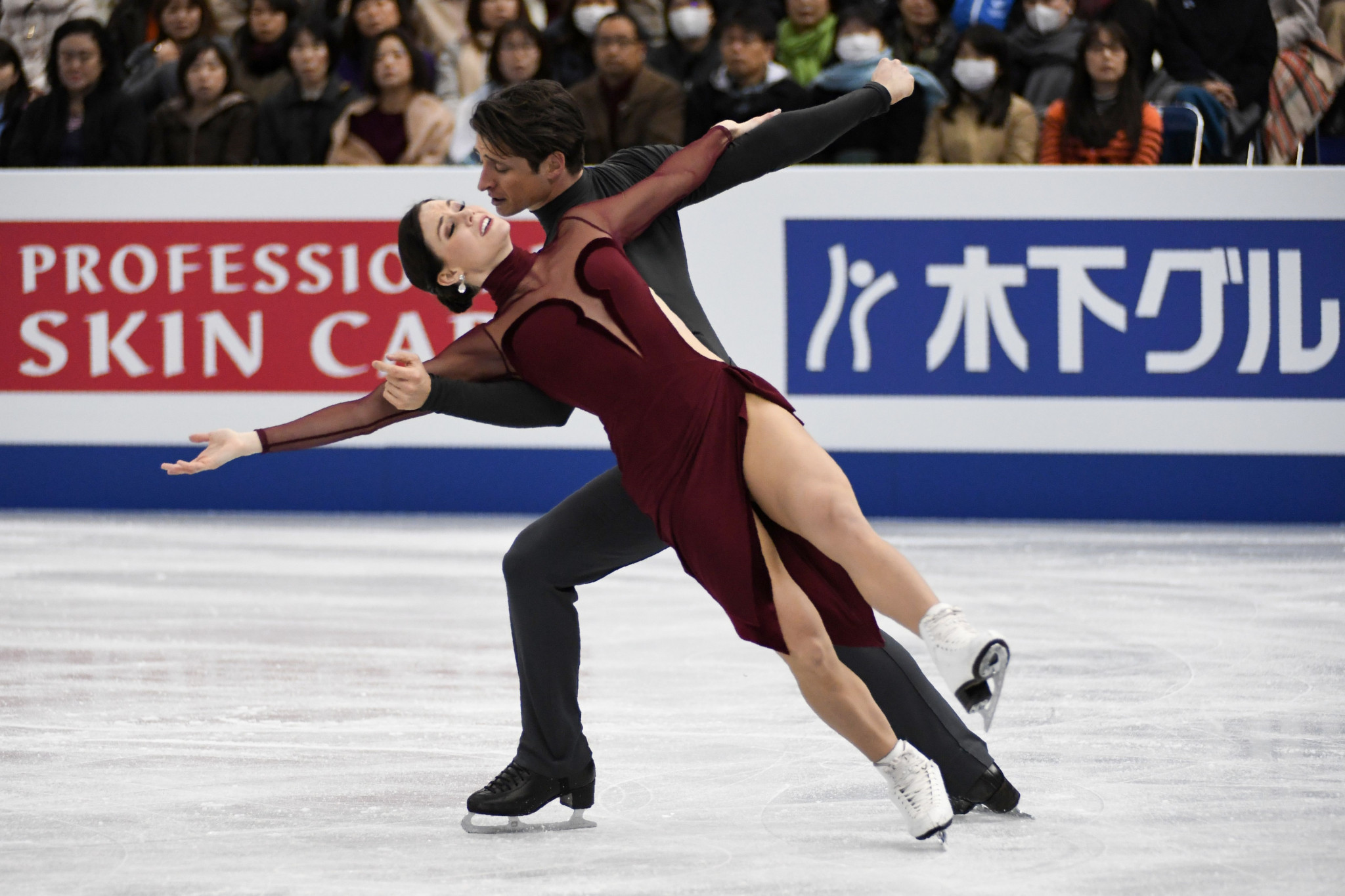 Tessa Virtue and Scott Moir, the ice dance gold medallists at the Vancouver 2010 Olympic Games, have been named on Canada's team for Pyeongchang 2018 ©Getty Images